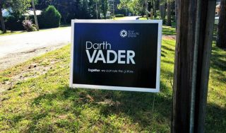 funny-presidential-yard-signs-2016-election-3-573311d514eb8__605-730x430